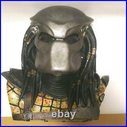 Alien vs. Predator DVD Complete Edition (with Predator Head Special Figure)